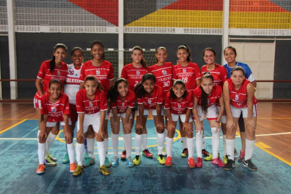 Salesiano_vence_amistoso_de_futsal_feminino