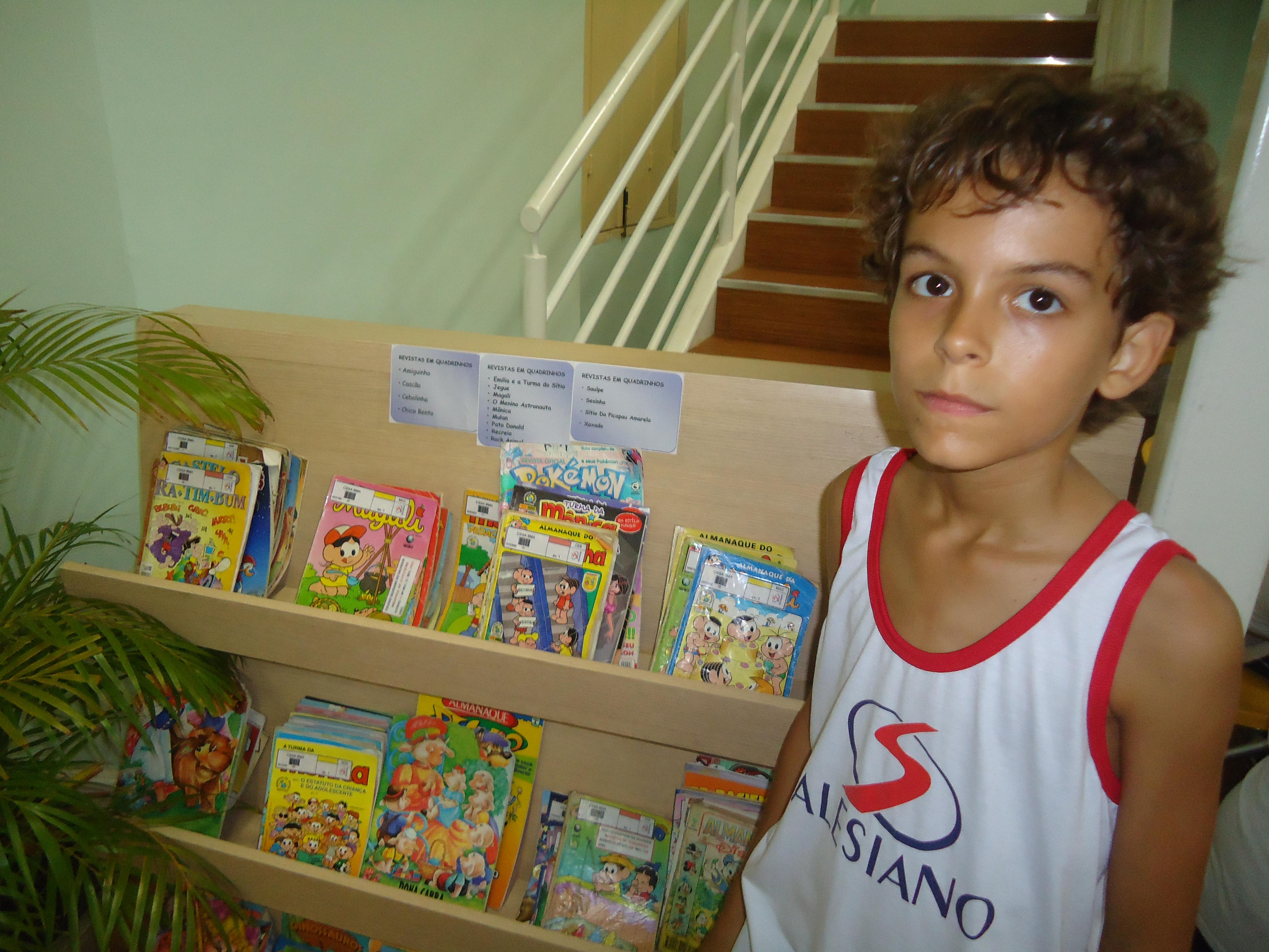 Caio_novas_-_biblioteca
