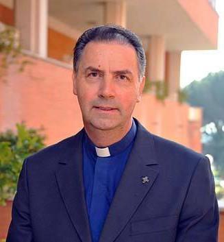 Padre-_ngel-10-sucessor-de-dom-bosco-327x353