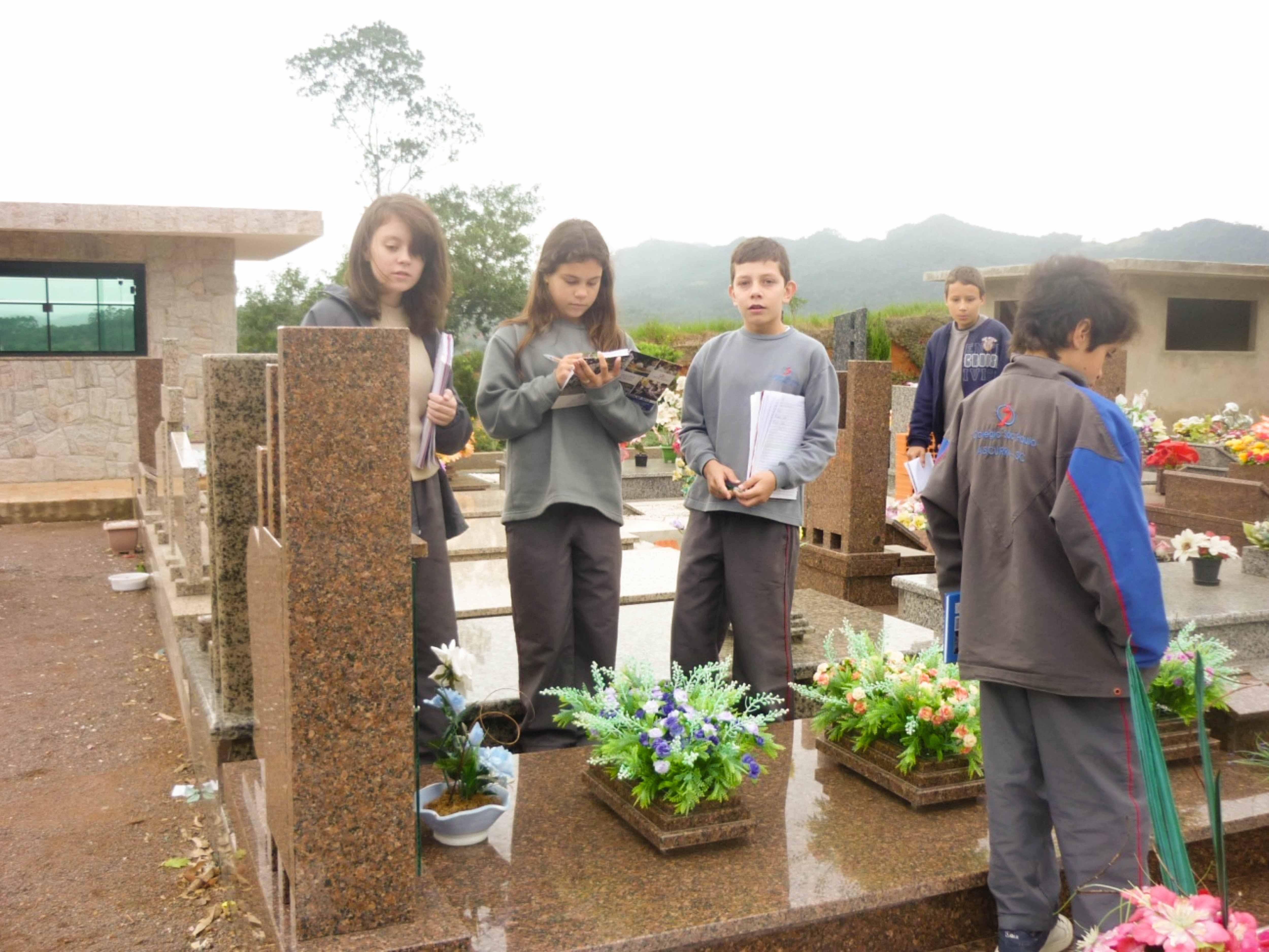 Asccsp20052013_-_visita_cemiterio__3_
