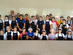 Main_thumb_asccsp31032017_-_alunos_cozinheiros__3_